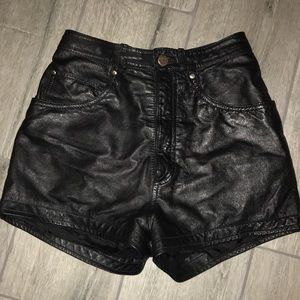 Genuine high rise leather shorts